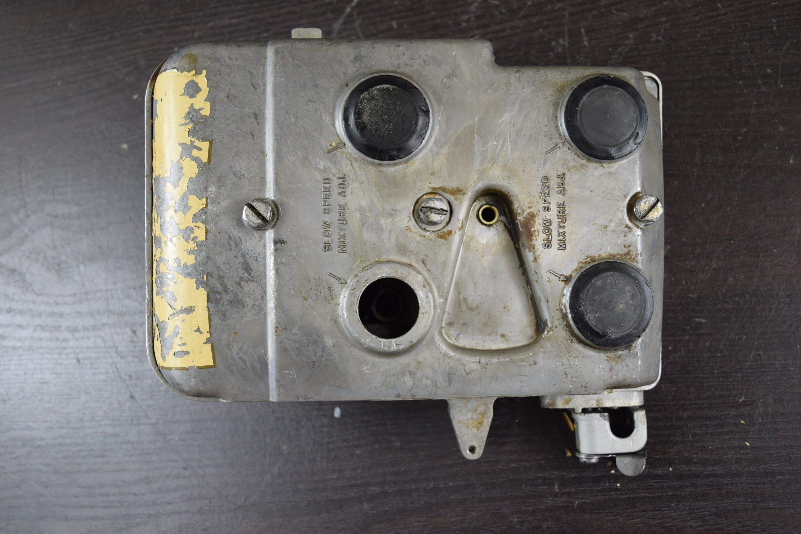 1976 Johnson Evinrude Air Silencer Cover Base 319797 387870 85 115 135 HP V4