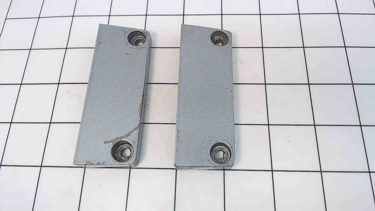 316055 Johnson Evinrude 1971-05 Set of 2 Mount Bracket Covers 35-60 HP