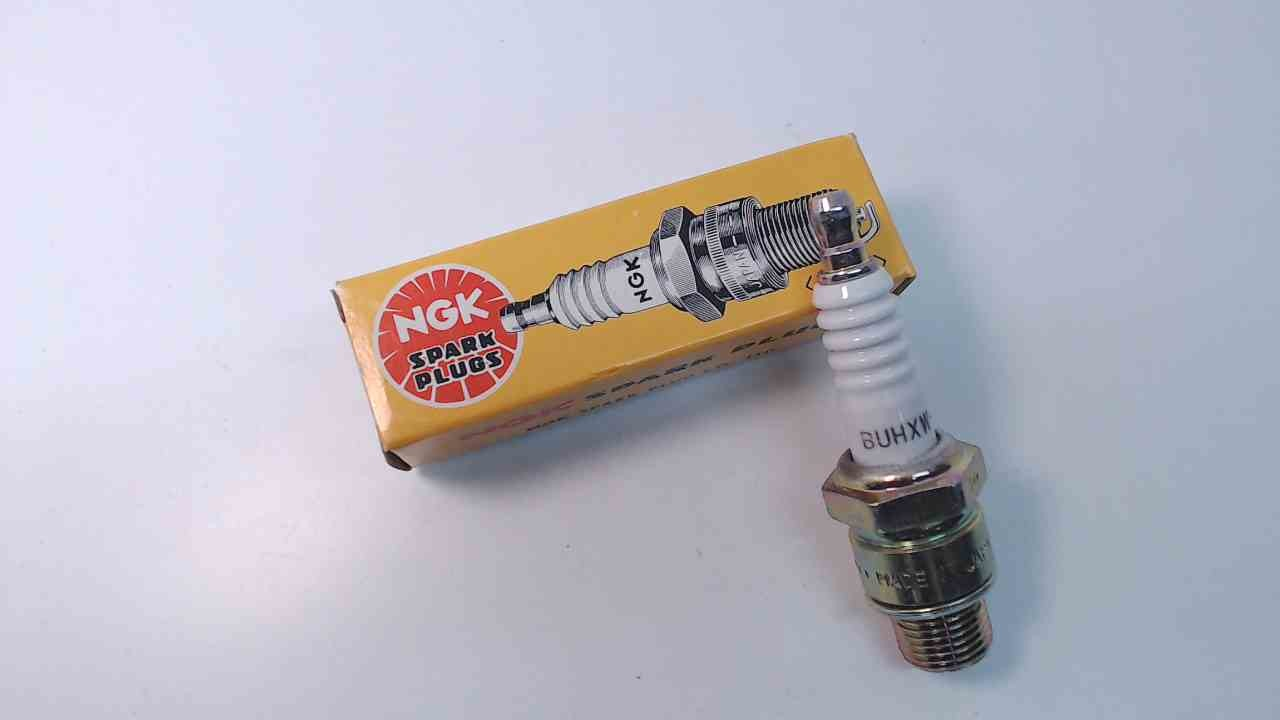 BUHXW-1 NGK Spark Plugs