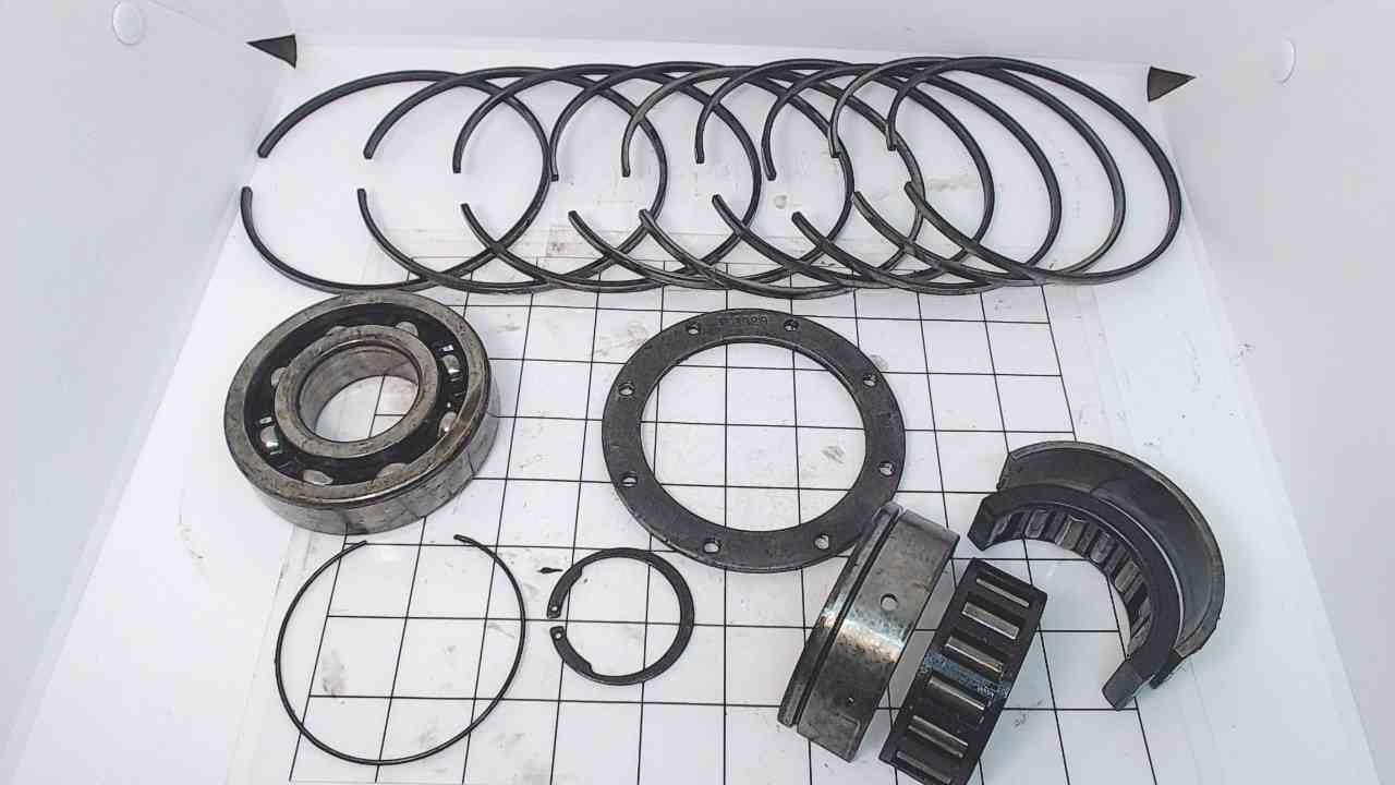 326749 390641 Johnson Evinrude 1985-2005 Crankshaft Bearings&Ring Set 120-300 HP
