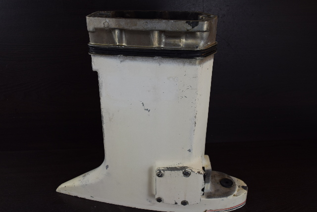 "1978-84 Johnson Evinrude 20"" Outer Exhaust Housing 321493 387796 70 75 HP 3 Cyl"