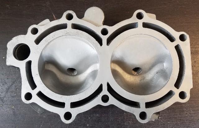 F717518 Force 1990-1991 Cylinder Head 35 HP 2 cylinder REFURBISHED