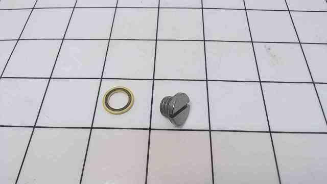 NEW! Mercury Quicksilver Gear Case Drain Screw 10-79953Q04