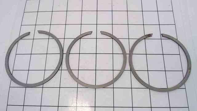 NEW! Johnson Evinrude OMC Set of 3 .020 Piston Rings 382826