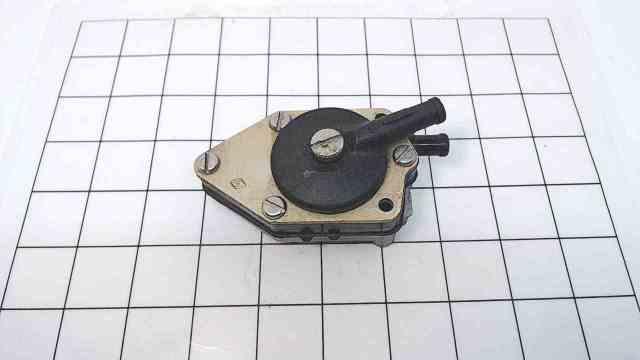 398338 Johnson Evinrude 1972-1988 Fuel Pump Assembly 25-115 HP
