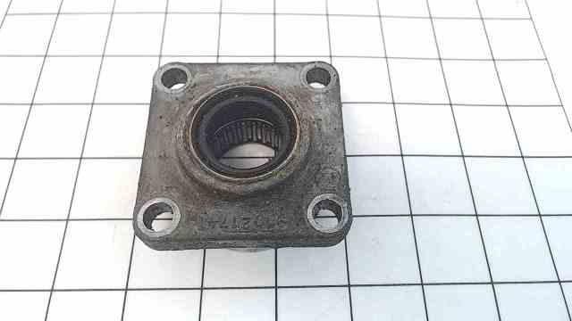 982422 C# 910217 OMC Sterndrive Bearing Housing & Seal
