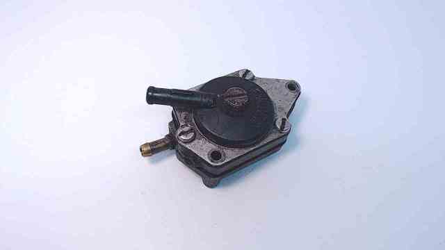 383765 C#318374 Johnson Evinrude 1968-05 3 Connection Fuel Pump Assembly 6-235HP