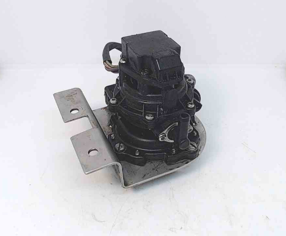 175109 Johnson Evinrude 1990-06 4 Wire VRO Pump W/Bracket 50-300 HP