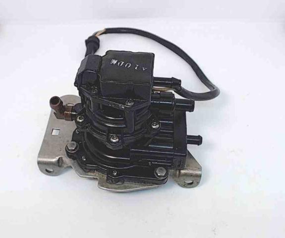 174619 174304 Johnson Evinrude 1986-1990 3 Wire VRO Pump W/ Bracket  60-225 HP
