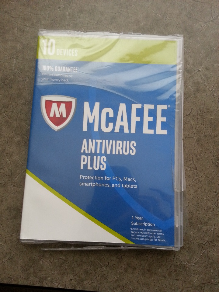 MCAFEE ANTIVIRUS PLUS 10 DEVICES 1 YR FOR PC, MAC, SMART PHONES, TABLETS DAMAGED CASE H62BX122315