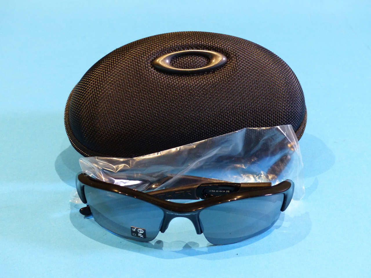 2d25c3adacc OAKLEY FLAK JACKET POLARIZED 12-903 63 14 135 BLACK SUNGLASSES