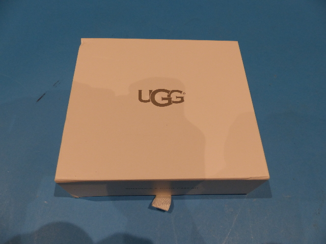 UGG AUSTRALIA 1017827 WOMENS CARE KIT