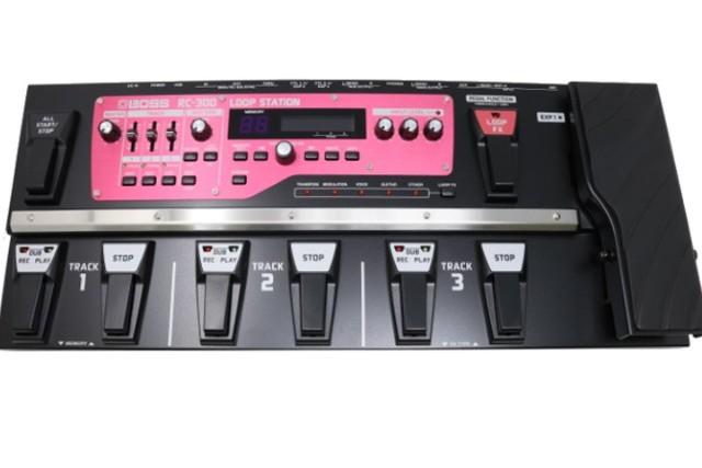 BOSS RC-300 LOOP STATION WITH 3 STEREO CHANNELS
