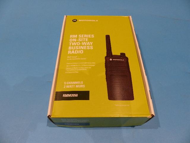 MOTOROLA RM RMM2050 2-W 5-CH MURS BUSINESS RADIO AZ489FT3831 RMM2050BHLAA