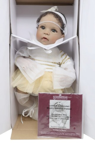 THE ASHTON-DRAKE GALLERIES 03-02693-001 A STAR IS BORN BABY DOLL