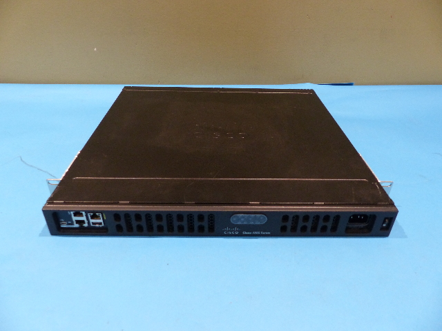 CISCO ISR4331/K9 V02 RACK MOUNTABLE ROUTER ES2-4 SMARTNET ELIGIBLE