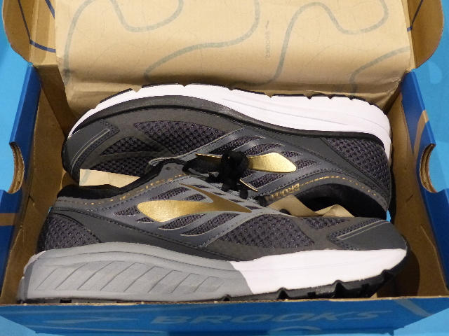 c999fec0ee094 BROOKS MEN S CUSHION ME ADDICTION 13 RUNNING SHOES SIZE 8.5 110261 1D 091