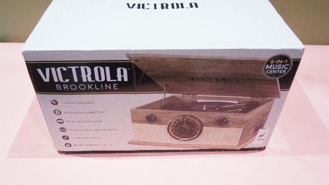 VICTROLA VTA-24TB FOT TURNTABLE/ CASSETTE/ CD/ BLUETOOTH/ RADIO AUDIO PLAYER