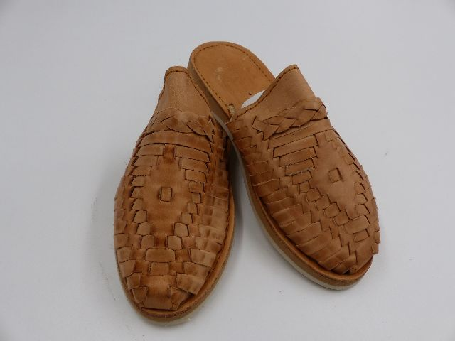 LA PERLA MEXICANA TAN SLIP ON SHOES WOMENS SIZE 22