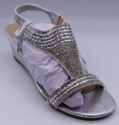 GC SHOES JANICE SILVER US WOMEN 6 WEDGE SANDALS