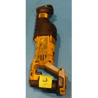 DEWALT DCS380 20V VARIABLE RECIPROCATING SAW W/OUT BATTERY