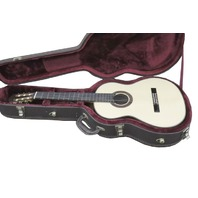 NEW WORLD 640 PLAYER SERIES ACOUSTIC GUITAR W/CASE
