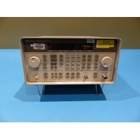 HP 8648C SIGNAL GENERATOR 9 KHZ - 3200 MHZ