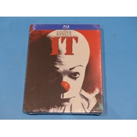 STEPHEN KINGS IT - INCLUDES STEELBOOK - BLU-RAY NEW