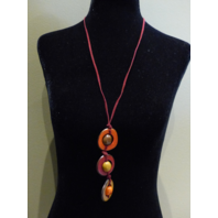 LEJU LONDON VEGETABLE IVORY RED/BROWN AVACADO SHAPED NECKLACE ROPE LONG BAND