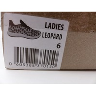 ATHLETIC WORKS WOMENS LEOPARD SOFT RUNNING SNEAKERS SIZE 6