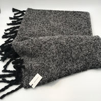 "NORDSTROM SOMETHING NAVY GRAY AND BLACK KNIT FRINGED SCARF 72"" X 25"""