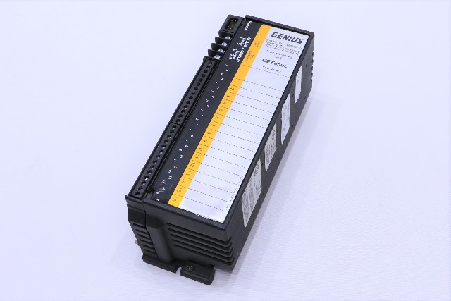 * NEW GE FANUC IC660BBD110 GENIUS I/O BLOCK