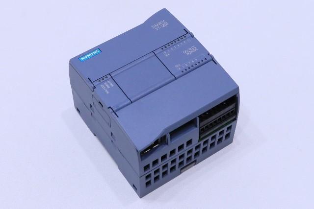 * NEW SIEMENS SIMATIC S7-1200 CPU 1212C DC/DC/DC 6ES7 212-1AE40-0XB0 MODULE