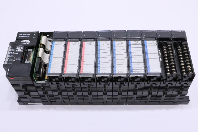 * GE FANUC 90-30 10-SLOT RACK CONTROLLER WITH MODULES IC693CPU331W