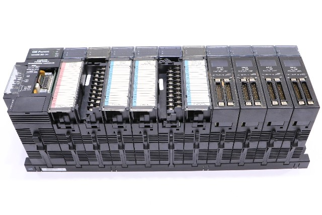 * GE FANUC 90-30 10-SLOT RACK CONTROLLER WITH MODULES IC693CPU321S