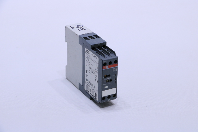 ABB 1SVR740180R3300 CT-APS.22 TIME RELAY OFF-DELAY