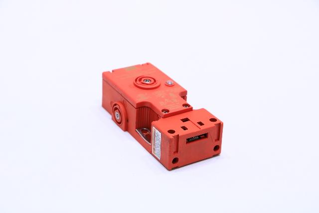 OMRON STI TL5012 SWITCH SAFETY INTERLOCK W/GUARD DOOR LOCKING