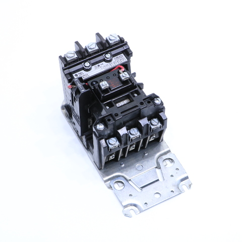 ALLEN BRADLEY 2500F-AOD930 CONTACTOR SIZE 0 3POLE 115-120 VAC 50/60 HZ 18 AMP