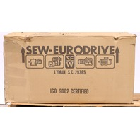 * NEW SEW-EURODRIVE R97LP182 GEARBOX 103.44 RATIO 26500 TORQUE 01 805 52 US