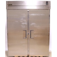 * TRUE REFRIGERATOR TR2RRI89-2S 2 DOOR ROLL IN STAINLESS STEEL