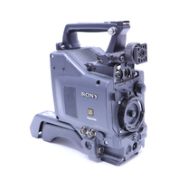 SONY DXC-D30 PROFESSIONAL VIDEO CAMERA