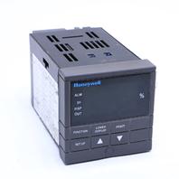 * HONEYWELL DC300L-0-000-10-0000-0 UDC3000 VERSA-PRO TEMPERATURE CONTROLLER
