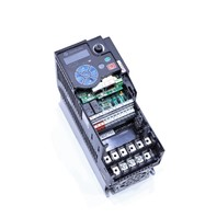 ALLEN BRADLEY POWERFLEX 525 25B-D010N104 A AC DRIVE 5 HP 4 KW 2.3 AMP 480 VAC 3 PHASE