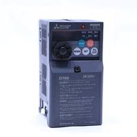 * MITSUBISHI D700 FR-D720-0.1K-60 0.1KW 0.8/1.5 AMP 200/240VAC 50/60HZ 3 PHASE