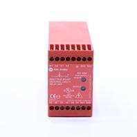 * ALLEN BRADLEY MSR9T 440R-F23027 RELAY SAFETY 24 VOLT AC/DC
