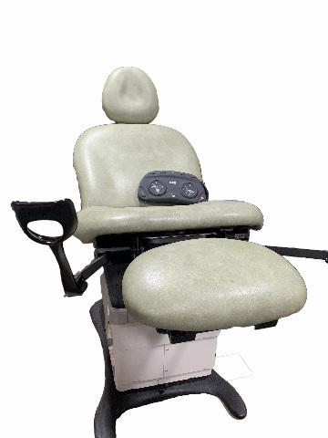 MidMark 75L Programmable Gen II Exam Chair + Foot Pedal