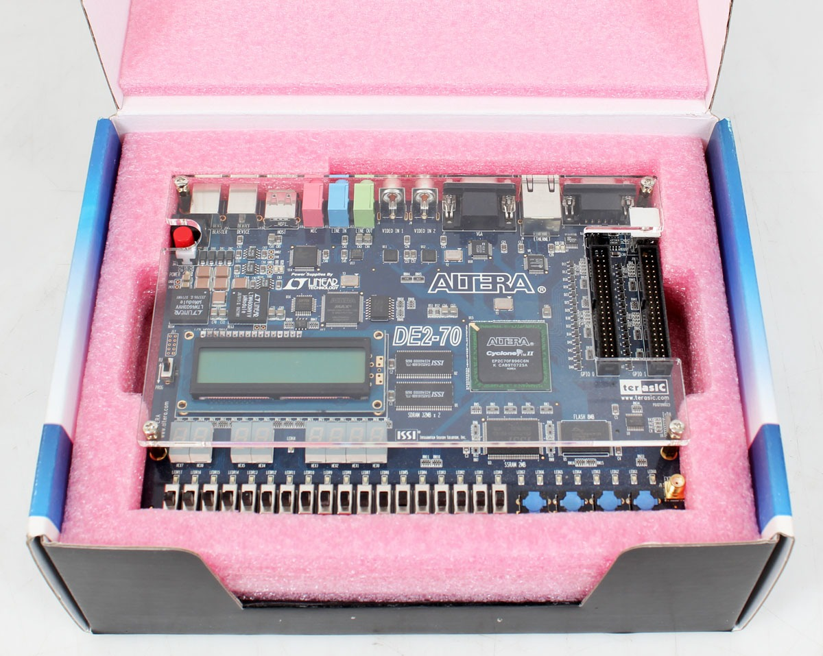Altera DE2-70 Cyclone II Terasic Development Board Kit w/ System & Design  Studio Software