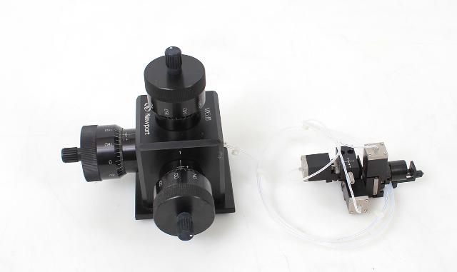 Newport Siskiyou MX-530 3-Axis Hydraulic Micromanipulator