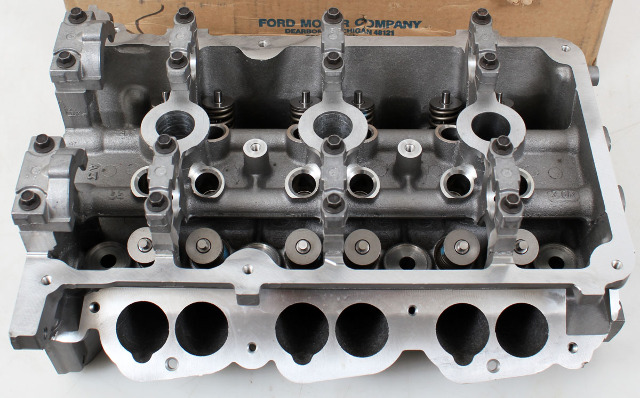 Ford OEM Cylinder Head F6DZ6049D, Right Side w/Valve Assembly 96-99 Taurus 3L