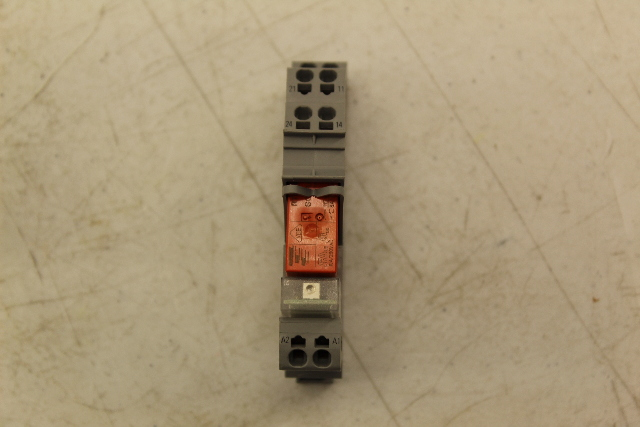 2 WAGO RELAY RT424615  WITH  788-515 BASE USED TESTED